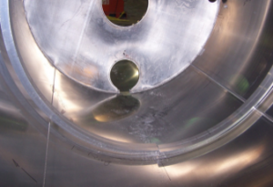 Essieux centraux de chute inversés pour les tuyaux plus droites